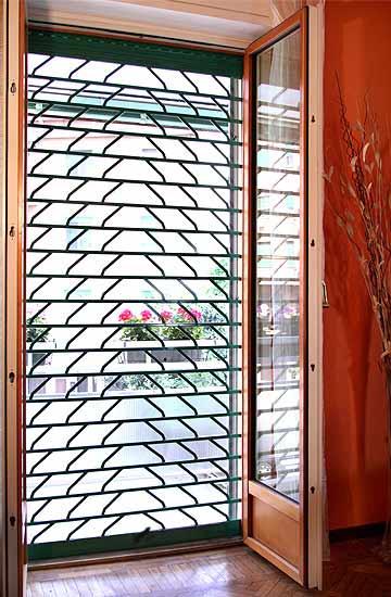 Tapparelle avvolgibili in acciaio di sicurezza rollgrate - Serrande per finestre prezzi ...